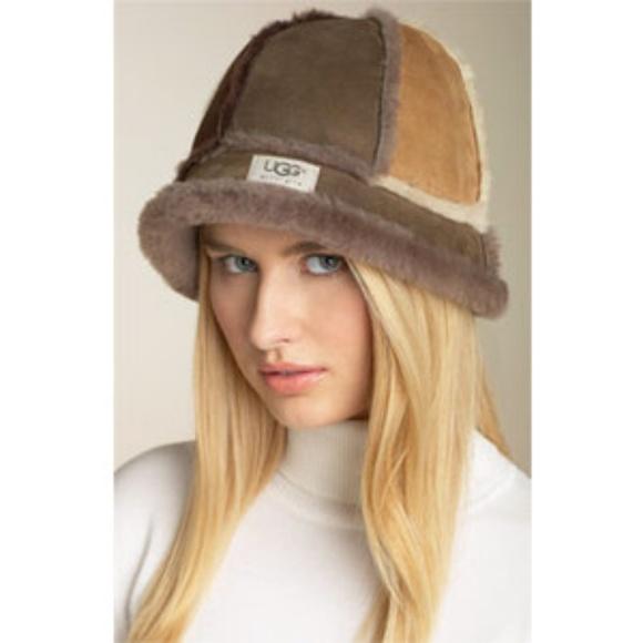 Ugg Australia Shearling Bucket Hat. M 5ab75f52739d4808192ad3d4 40d54148477